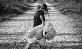 За обичта и прошката, въпреки изоставянето