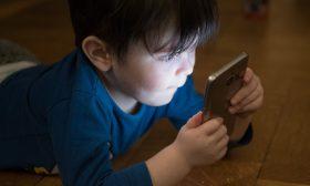 Децата ни в Интернет – кога, как и колко?