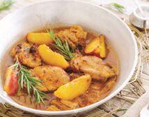 Пиле с бяло вино и праскови
