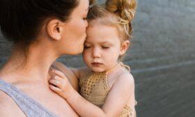 Родителят и детските кризи от раждането до 7 години