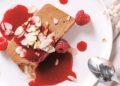Шоколадов сладоледен терин с малинов сос