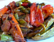 Пържени пиперки, пълнени със зеленчуци
