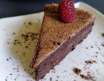 Шоколадова мус торта само с 4 съставки