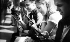 Смартфонът ни е по-важен от портфейла