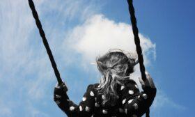 Рисковете на ранния пубертет при момичетата