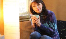 """""""Танц на вселени"""" – дебютният роман на Антония Нотева"""
