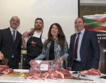 Посланици дадоха старт на продажбата на американско говеждо в МЕТРО