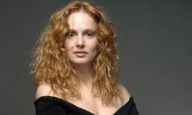 """Параскева Джукелова е гласът зад """"Гълъбова кръв"""" на Капка Тодорова"""