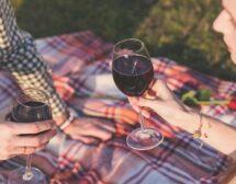 Пийте червено вино и черен чай срещу деменция