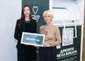 """""""Дрехите не са боклук"""" дари 60 000 лева за жени с рак на гърдата"""