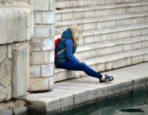 Младите са най-гневни и тъжни заради коронавируса