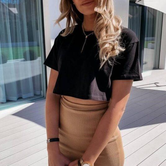 Дамска ежедневна едноцветна тясна къса тениска