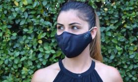 Носете маската над носа и я перете на 60 градуса