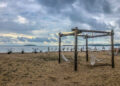 """Безплатни чадъри за гостите в морските къщички на """"Къмпинг Градина"""""""