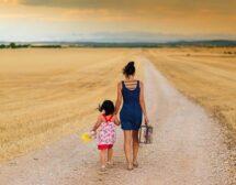 Отново заедно! Историята на Адриана и нейните 4 дъщери