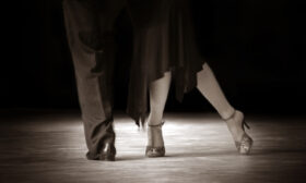 Отивам да танцувам! Компарсита!