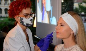 Деси Банова се подготви за есента с любимата козметика на испанското кралско семейство