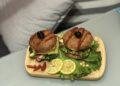 Мъже готвят! Сочни бургери със сьомга от Страхил Иванов