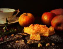 Пудинг с ябълки