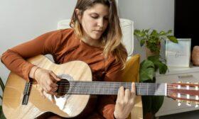 6 практики, които ще ви помогнат да свирите на китара много по-добре