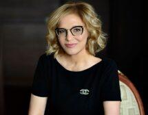 Д-р Мария Тончева прилага свой патентован метод за подмладяване