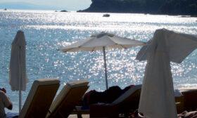 Гърция отваря за туристи и облекчава мерките