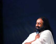 Онлайн курс с дихателни техники и медитация с Шри Шри Рави Шанкар
