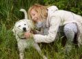 Актьори с изложба в подкрепа на кампания за осиновяване на кучета