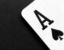 Авторката, която се учи на нещата от живота…, играейки покер
