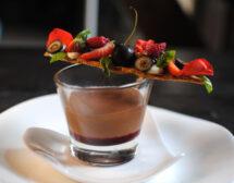 Шоколадов мус с червени плодове от Даниела Иванова
