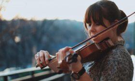 Практични съвети как да се научим да свирим на цигулка