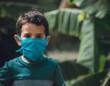 Учениците до IV клас няма да носят маски в час
