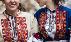 Магията на българската народна носия