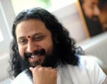 Свами Джотиpмая:  Бог обича забавлението