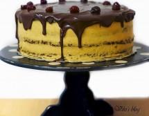 Шоколадова торта с тиквен крем и солен карамел