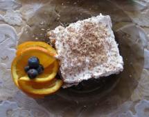 Лек сметаново-плодов сладкиш. От Велислава Дончева