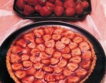 Ягодова торта с бадеми