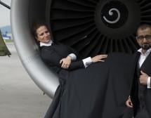 Симфоничен концерт в самолетен хангар