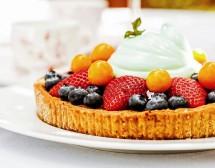 Тарта с плодове и разбити белтъци