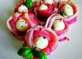 Розички от бейби моцарела с прошуто