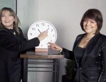 Ева Борисова и Мирослава Кадурина спират часовника