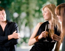 Две жени и аз. Защо хетеросексуалните мъже толкова харесват лесбо-еротиката?